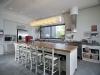 המטבח- במרכזו אי, משטח עץ אלון גושני - לב הבית.